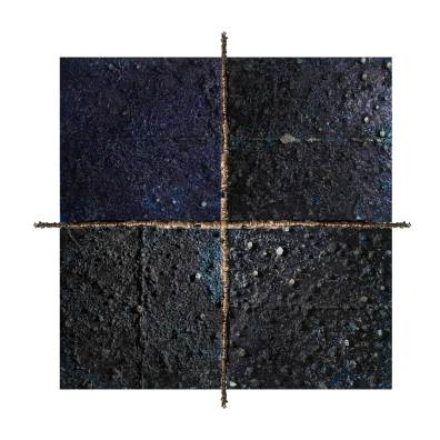 Quadrittico Unito | United Quadrat. Fire series. 240 cm x 240 cm x 10 cm. Concrete, burned and cast extruded polystyrene, plasma-cut iron bars, gold leaf. € 22 000